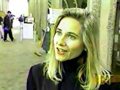 Maureen McCormick - Brady songbird sings! (ET - Mary Hart File interview)