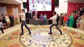 ЛЕЗГИНКА С ЭЛЕМЕНТАМИ АКРОБАТИКИ! Захватывающий танец на Чеченской свадьбе!  Свадебное видео