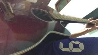 Cô hàng xóm guitar bolero