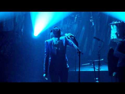 "Yodelice ""Alone"" featuring Marion Cotillard - live La Cigale - 24/11/2010"