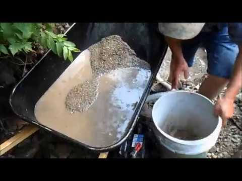 Wheel Barrow Classifier Gold Prospecting  Classifying Wet Material