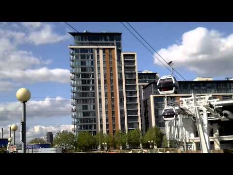 The new Emirates cable car in East London - North side