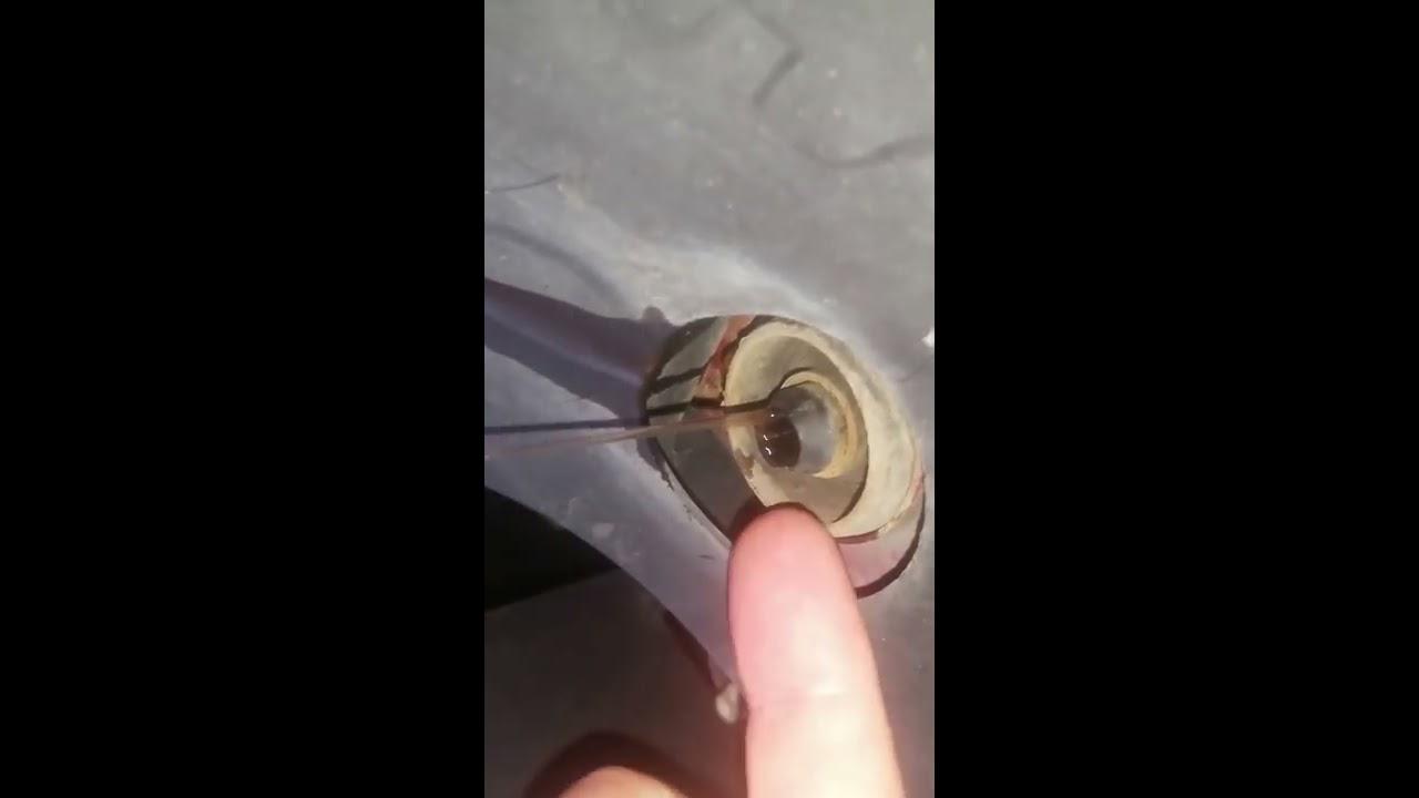 2004 pontiac grand prix radiator drain plug [ 1280 x 720 Pixel ]