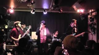 2012年12月15日(Sat) ChicHackersライブ at slowhand(3曲目) http://s...