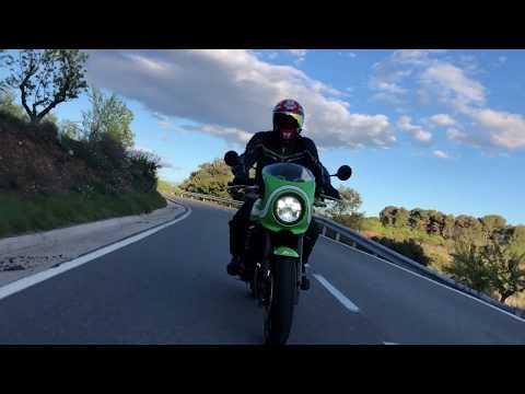 Kawasaki Z900RS Cafe - More than a rebodied Z900RS? - Review