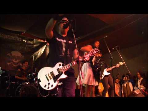 The Mahones - London (Badalona, Estraperlo, 16/02/2013) mp3