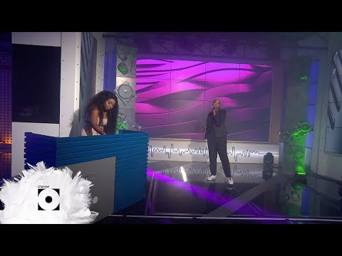 sithelo-and-skyewanda-perform-'forever'---massive-music-|-channel-o