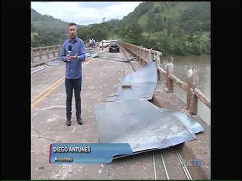 Mais um caminhão cai no rio Irani
