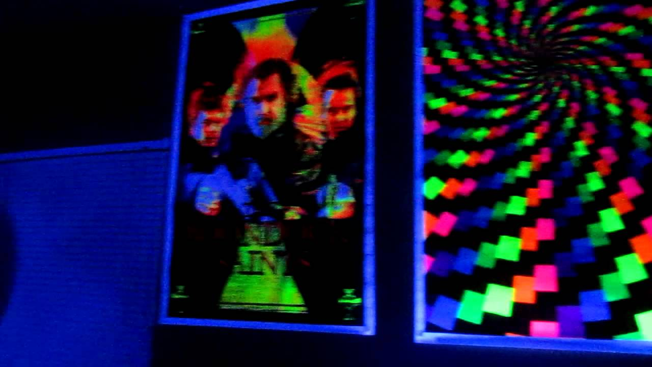 Black light room - YouTube