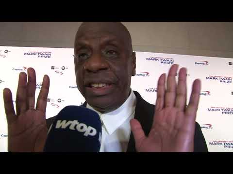 Jimmie Walker salutes David Letterman at Mark Twain Prize