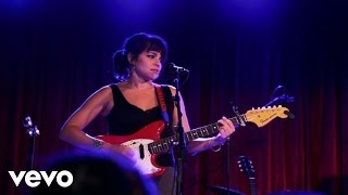 Puss N Boots - Bull Rider (Live From The Bell House, Brooklyn, NY / 2013)
