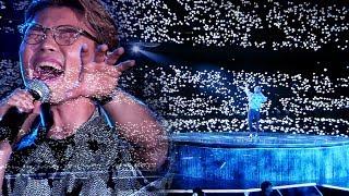 [ENG] 김범수 Kim BumSoo feat. ARMY 떼창 : 보고싶다 I Miss You (Stairway to heaven ost) LED FANCAM 롯데 패밀리 콘서트