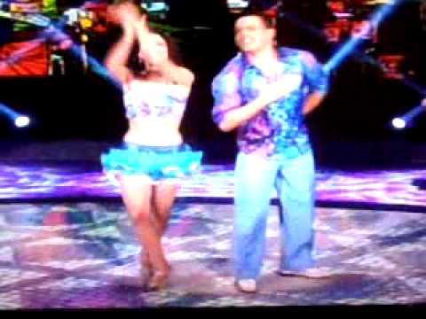 Carol Castro campeã dançando samba dança dos famosos 15.09.2013