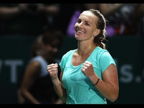 Svetlana Kuznetsova vs Agnieszka Radwanska | 2016 WTA Finals Singapore Highlights