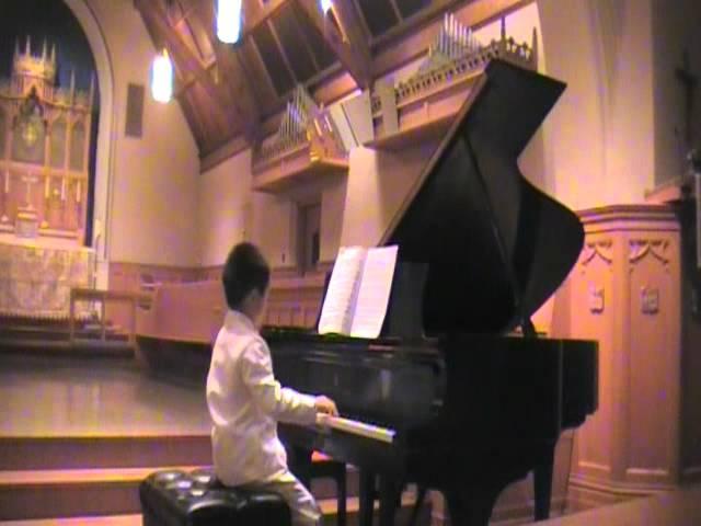 Jian performs in June 2011 recital