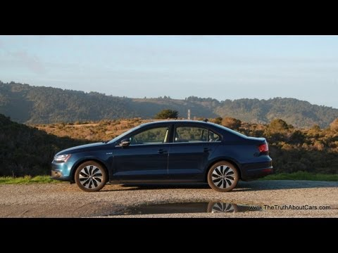 2013 Volkswagen Jetta Hybrid Review and Road Test