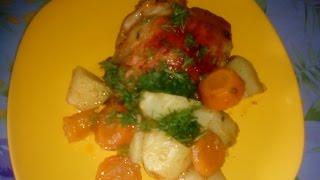 Картофель с куриными бедрышками запеченный в рукаве