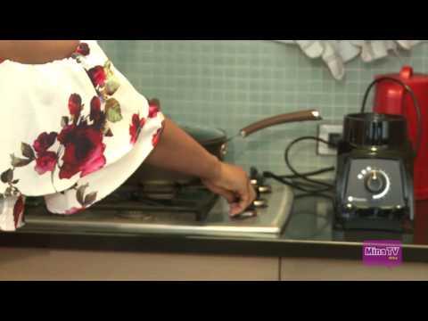 Cooking Ghana Jollof Rice ( by Hajia4reall )