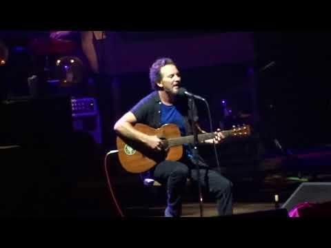 Pearl Jam  Just Breathe  Fenway Park, Boston 9022018
