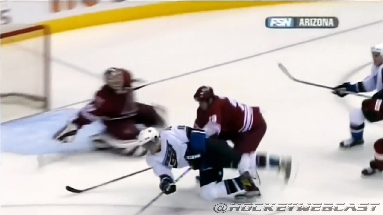 Alex Ovechkin Amazing Goal vs Phoenix Coyotes 2006 (All Camera Angles) -  YouTube be86f98ab107