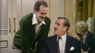 Chaos in the Restaurant - Fawlty Towers - The Hotel Inspectors - BBC