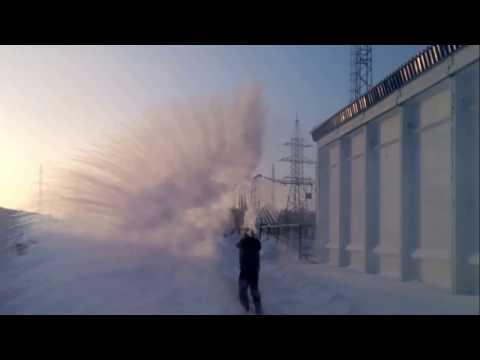 Горячая вода на морозе, приколы, жесть -49