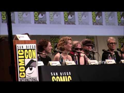 Sarah Paulson imitates Evan Peters' voice at Comic Con 2015
