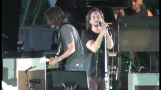 Watch Pearl Jam Public Image Live video