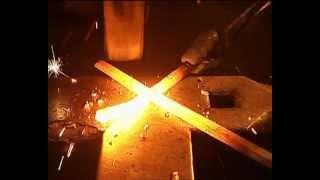 Damast Messer schmieden lernen in der Hallersteiner Damast Schmiede