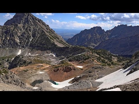Hiking in the Grand Teton National Park: Paintbrush Canyon - Cascade Canyon Loop, Wyoming, USA in 4K