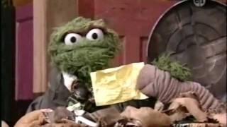 vuclip Sesame Street - Oscar hosts GNN
