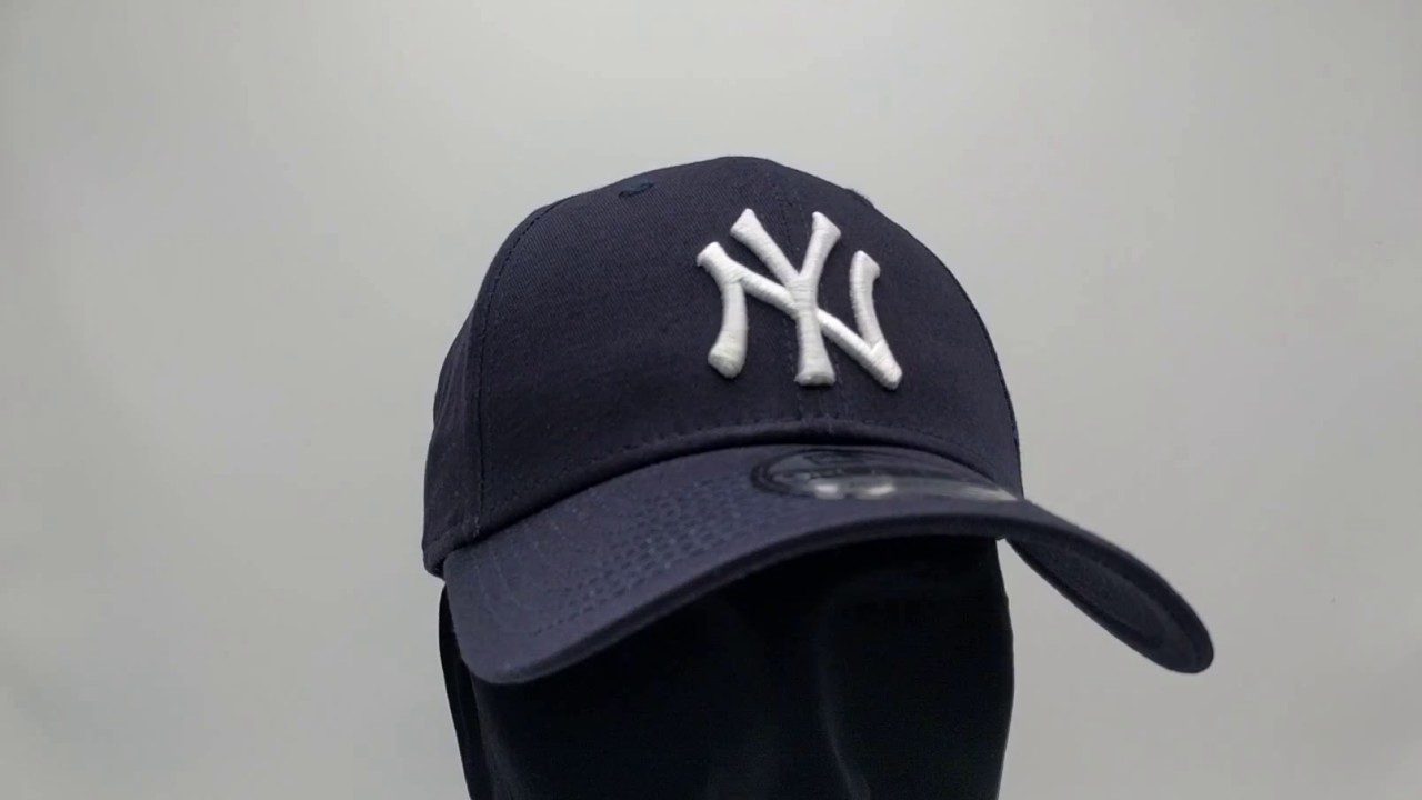 dbc15995ea0 New Era 9Forty Curved cap (940) NY New York Yankees - navy - €24