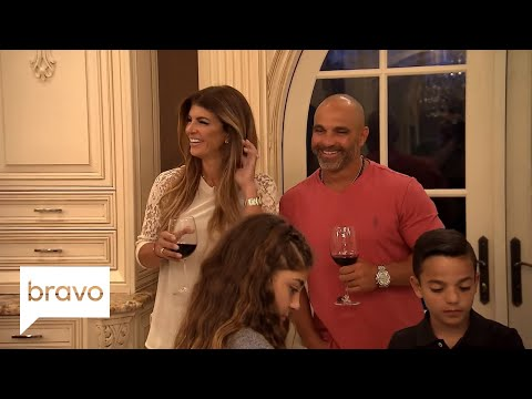 RHONJ: Melissa Gorga's OCD Is Showing (Season 8, Episode 15) | Bravo