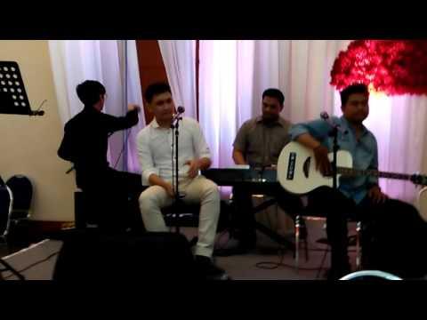 Akustik juan benedict (mylo band) di acara nikahan Sepupunya 'part 5'