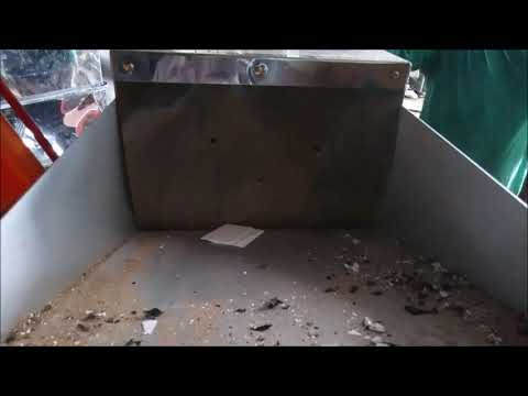 Schnd CPS 1000   Shredding Credit Cards and Private Documents