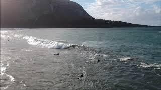Surf a vista de drone en Playa de Arenillas (Islares)