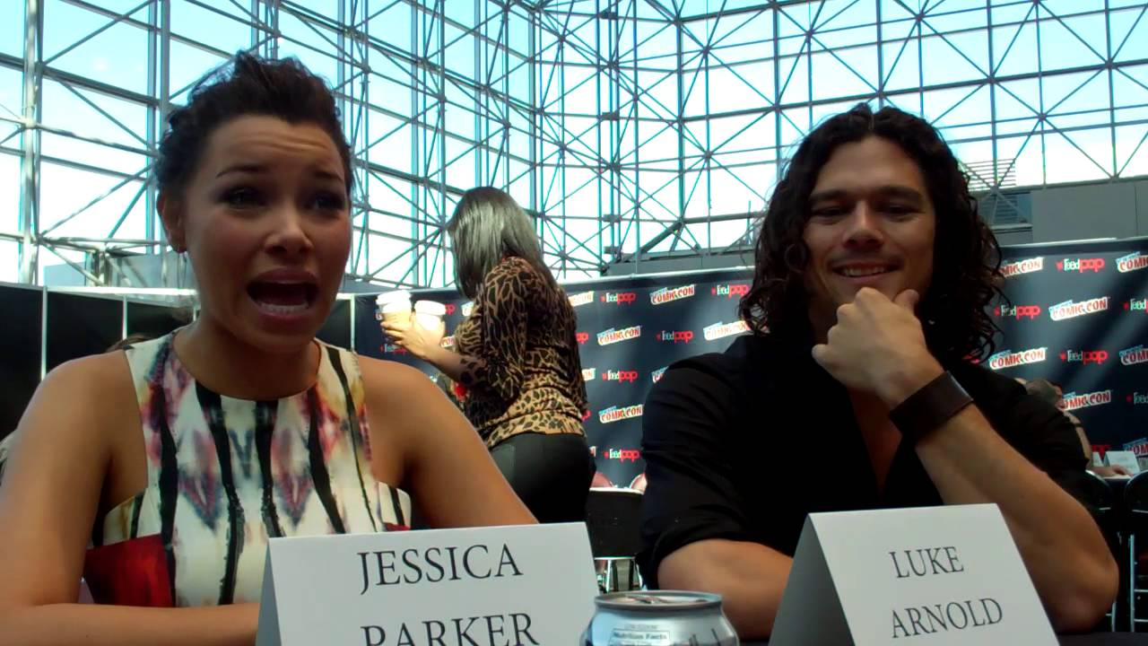 Black Sails - Jessica Parker Kennedy and Luke Arnold talk ...