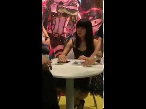 Luna Haruna Signing (Part 2) at the AnimagiC 2014 in Germany