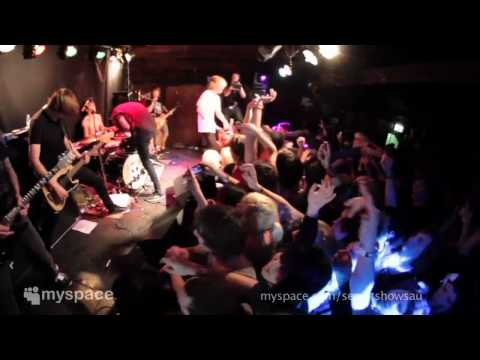 BRING ME THE HORIZON - Chelsea Smile (MySpace live show)