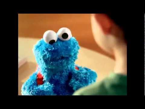 PLAYSKOOL Sesame Street Count & Crunch Cookie Monster