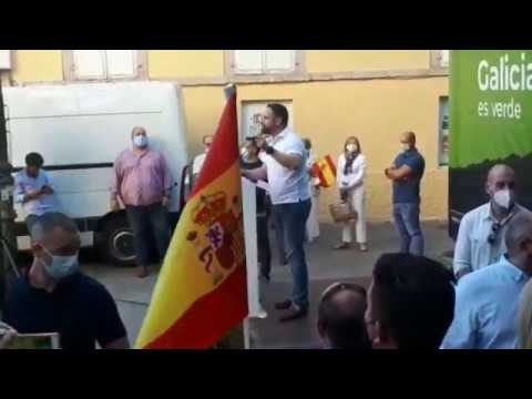 "Abascal, entre aplausos y gritos de ""presidente"" en Lugo"