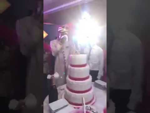Mariage De Serge Beynaud La Coupure Du Gâteau