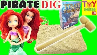 Little Mermaids Dig for PIRATE TREASURES!