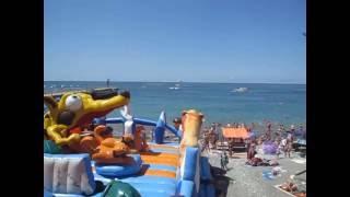 Отдых в Лоо видео 2016 пляж видео(Снятое видео отдых в Лоо 2016 отзывы о пляже. Смотрите видео развлечения в Лоо у самого моря. Заказать номер..., 2016-06-26T16:50:27.000Z)