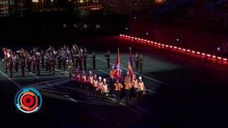 Юные армянки и военный оркестр показали на Красной площади Берд