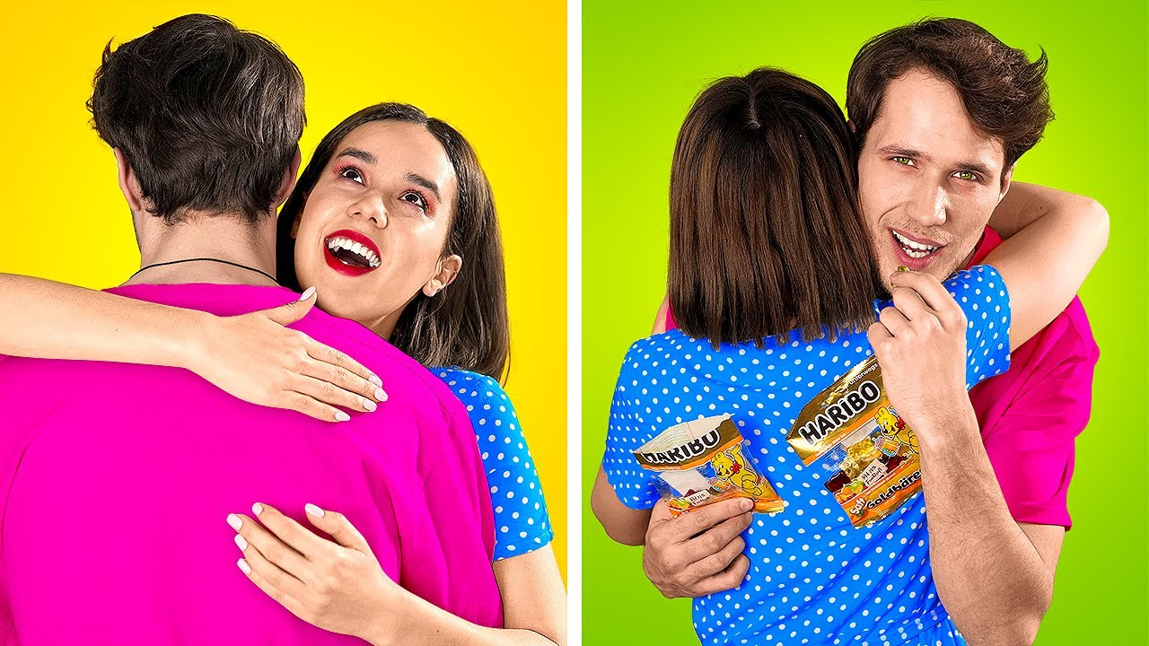 WIERD WAYS to SNEAK PETS || 21 Hacks to Get Snacks and Makeup into a Party