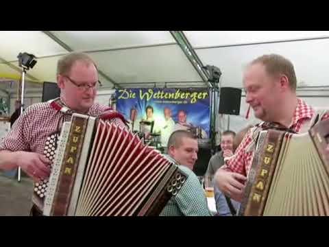 Steirische Harmonika und Akkordeon-Musik im Festzelt in Daubringen ...