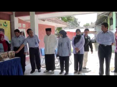 Pelatihan Pengolahan Ikan dan Pembuatan Pakan Apung di Ponpes Nurul Huda Cijeruk