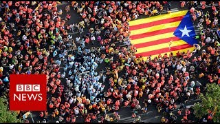 Thousands march in Barcelona streets - BBC News
