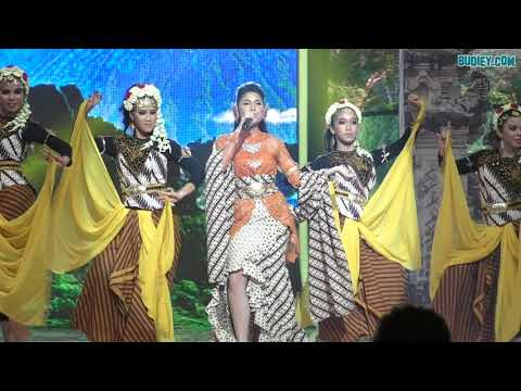 Sissy Imann Nyanyi SENGGOL SENGGOLAN CUBIT CUBITAN WANI KAYRIE Nyanyi SAYANG Di Konsert BIG STAGE
